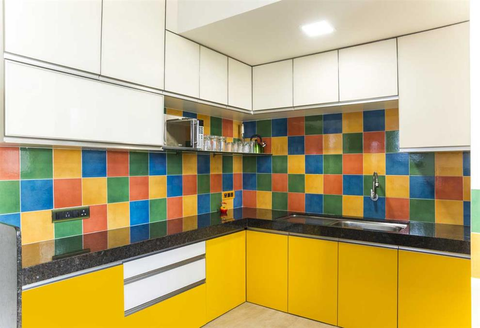 kitchen-highlighter-tiles